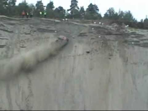 Car Climbs Up A Vertical Cliff!!