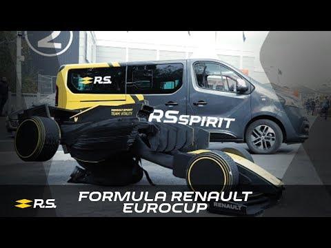 2018 Paris Games Week - Renault puts cosplayers in the spotlight!