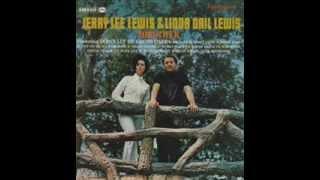 Linda Gail Lewis - Smile, Somebody Loves You