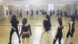 "Hiphop on Heels class dancing to ""Belly Dancer - Akon"""