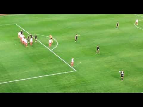 Estudiantes goleó a Independiente 3 a 0 con un tercer gol de lujo