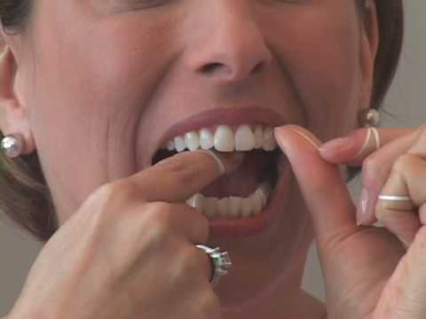 Flossing instructions from Crest Oral-B