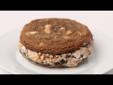 Ice Cream Sandwich Recipe – Laura Vitale – Laura in the Kitchen Episode 439