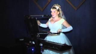 Русская невеста классно поет на армянском