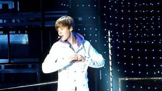 (HD) Justin Bieber Love Me Vancouver High Quality