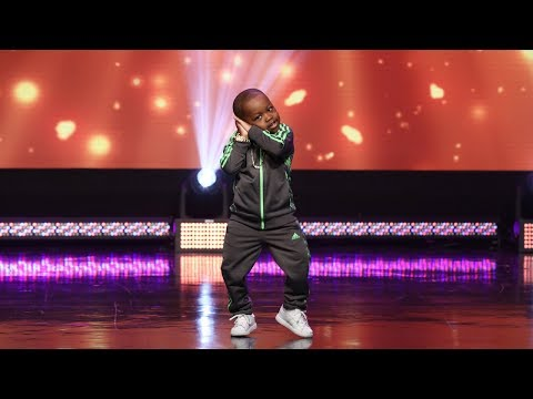 6-Year-Old Tavaris Hits the Beat
