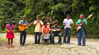 Video Musical: Esa morena – Agrupación Karabi