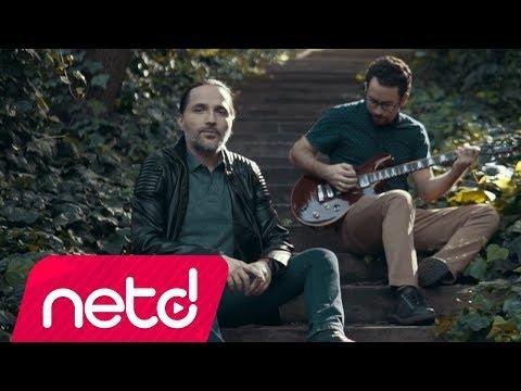 Çok Ağladım Sözleri – Onur Ege feat. Metin Özülkü