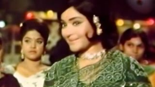 Balraj Sahni Announcing Vyjayanthimala's Marriage