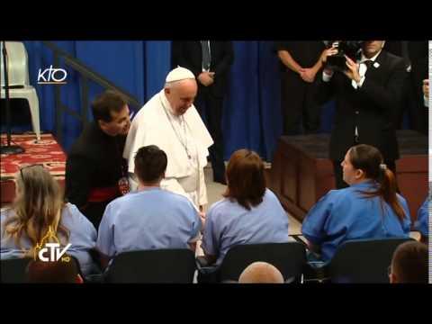 Le Pape visite des détenus de la prison Curran-Fromhold de Philadelphie