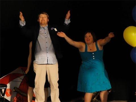 Le 6 juillet 2017, Parrainage civique de la Vallée-du-Richelieu a organisé un défilé de mode très spécial, une occasion unique de voir autrement des personnes atteintes de handicaps.   Cette première édition visait une meilleure intégration de ces personnes, tout en illustrant les enjeux actuels de leur acceptation sociale.  À l'origine de cette initiative : une collaboration exceptionnelle entre tous les participants, des artistes, des designers et des bénévoles.  Le mouvement du parrainage civique aspire à l'avènement d'une société plus juste, équitable et démocratique. Chaque personne ayant une incapacité doit avoir une place à part entière dans notre société. Les bénévoles potentiels peuvent trouver réponse à toutes leurs questions en appelant au 450-464-5325. Devenez bénévole et faites la différence dans la vie d'une personne différente!  Nous vous invitons le 25 septembre 2017 au Pacini de Ste-Julie entre 11h et 15h afin de déguster une pizza, promotion d'une journée seulement 2 pour 1, spécialiste de la pizza! Venez en grand nombre!