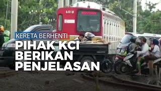 Viral Video Kereta Justru Berhenti saat Jalur Dilewati Pengendara, Pihak KCI Beri Penjelasan