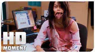 Синди устраивается работать сиделкой - Очень страшное кино 4 (2006) - Момент из фильма