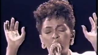 Anita Baker No One In The World Live11)
