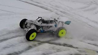 Радиоуправляемая машина Thunder tiger BUSHMASTER ... Колеса AKA и первый выезд в снег