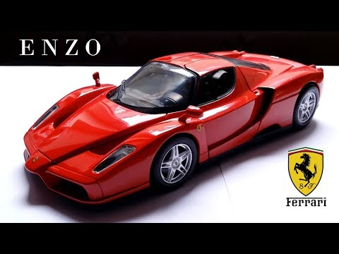 Reviewing the 1/18 Ferrari Enzo by Hot Wheels