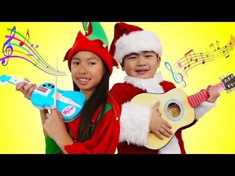 Wendy & Lyndon Pretend Play Singing Christmas Carol Songs & Nursery Rhymes for Presents