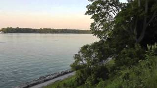 preview picture of video 'Kanada: Niagara-on-the-lake Ontario Stadt am See in Canada Riesling Müller-Thurgau Zinfandel Merlot.'