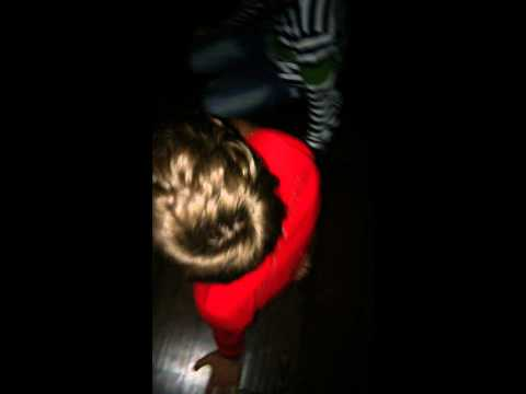 Вот, к примеру 13 лет дети играют в бутылочку...   - YouTube