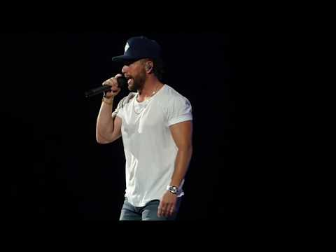"""Chris Lane """"I don't know about you"""" 8/16/19 Jacksonville, FL"""