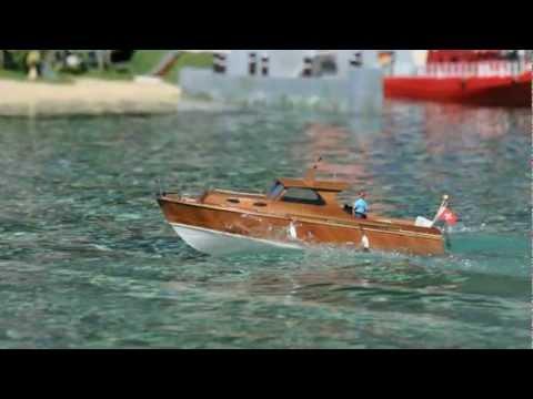 Aero-Naut Diva Radio Control Cabin Cruiser Boat Wooden Kit