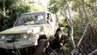 preview picture of video 'Land Cruisers FJ70s en Angol 2011'