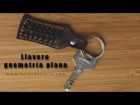Haciendo un llavero de cuero || www.hojasdemaria.com