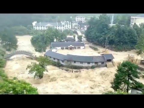 Δεκάδες νεκροί και πολλές καταστροφές από το πέρασμα του τυφώνα Λεκιμα…