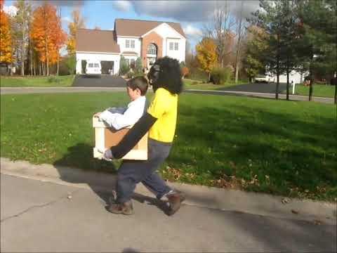 Este niño con su disfraz ilusión de mono ganó Halloween