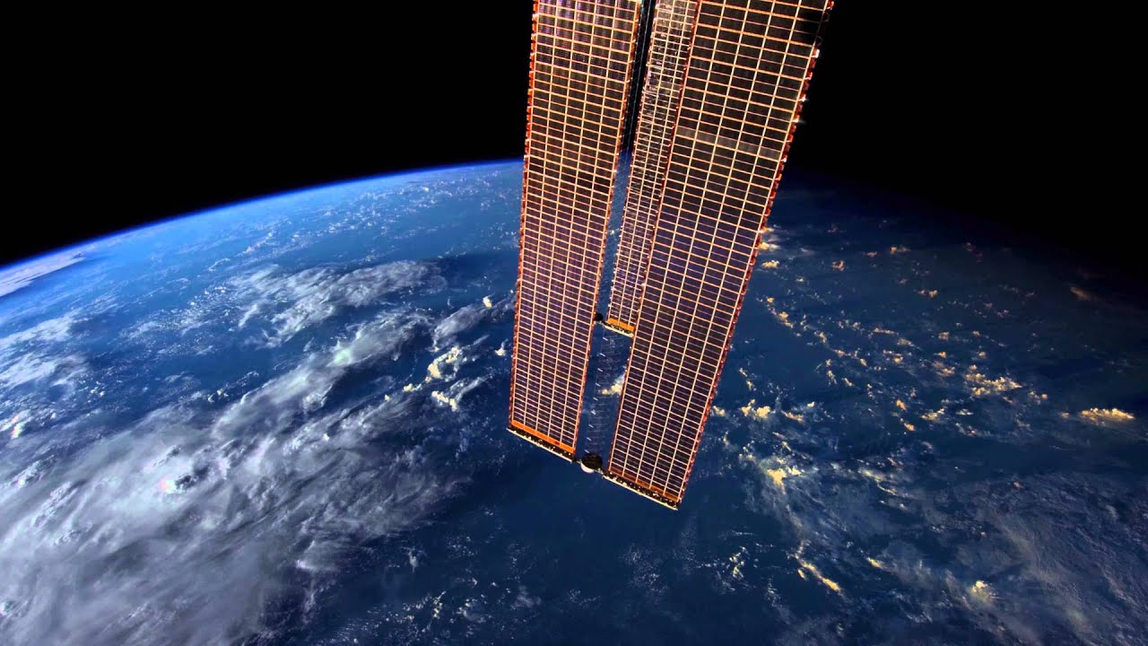 This 4K International Space Station Time Lapse Will Make You Dizzy