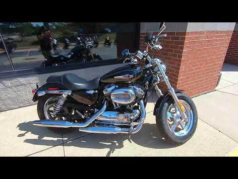 2016 Harley-Davidson Sportster 1200 Custom XL1200C