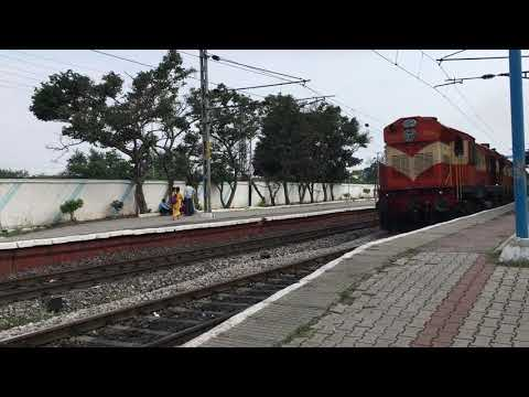 17204 Kakinada Port - Bhavnagar Express