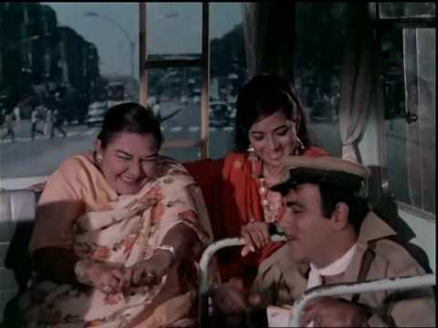 Bombay To Goa Funny Scenes - Chamde Ke Haath - Mehmood & Manorama
