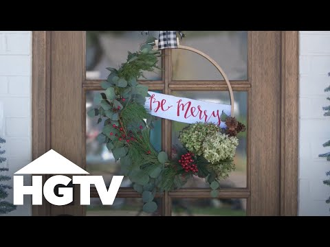 1 Wreath, 2 Seasons - HGTV