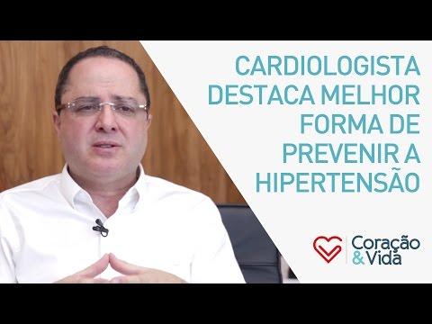 Um forte aumento e queda da pressão arterial