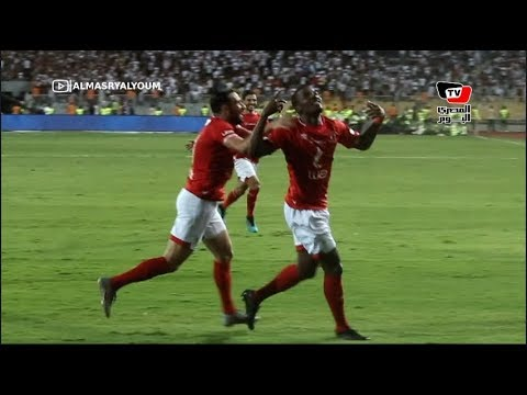 «ادعم الحراق».. لاعبو ومشجعو الأهلي يحتفلون على طريقة مؤمن زكريا ويهدونه كأس السوبر