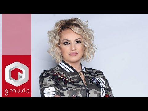 Flora Gashi - Pasunia shkon e vjen (Official Video)