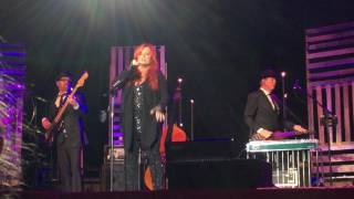Rock Bottom by Wynonna LIVE!