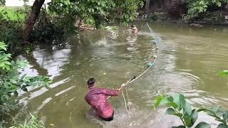 Unbelievable Pro Fisherman vs. River Monsters Giant Gourami