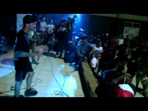 """Stand Hind - """"Oblique Haired Boys"""" Live at Malang"""