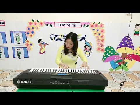 Hướng dẫn dạy bài hát: Mùa xuân đến rồi do cô giáo Đào Thị Dinh giáo viên khối 3 tuổi thực hiện