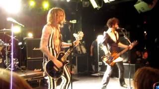 The Darkness Live in Boston - Givin' Up + Stuck in a Rut @ Paradise