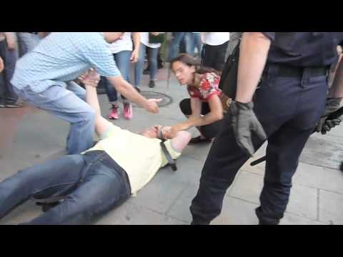 Brutalidad policial en Ferraz el 13.07.2012 #alacalle #quesejodan #ferraz #genova #congreso