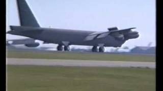 preview picture of video 'Mildenhall Airshow UK 1990 - C5 B1 B52'