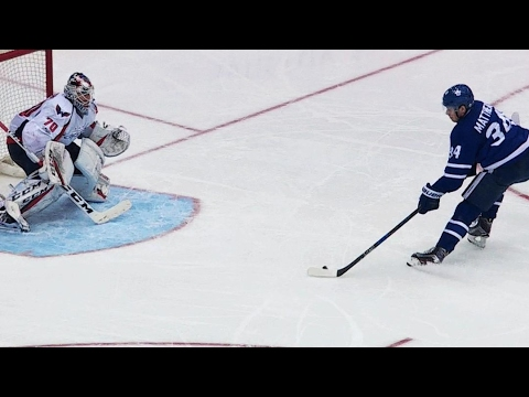 Gotta See It: Matthews jumps on lucky bounce and roofs it past Holtby