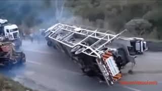 Страшные аварии тяжелой техники  Безумные водители!