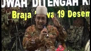 KH. M NAJIB MUHAMMAD DI PON-PES DARUSSALAMAH