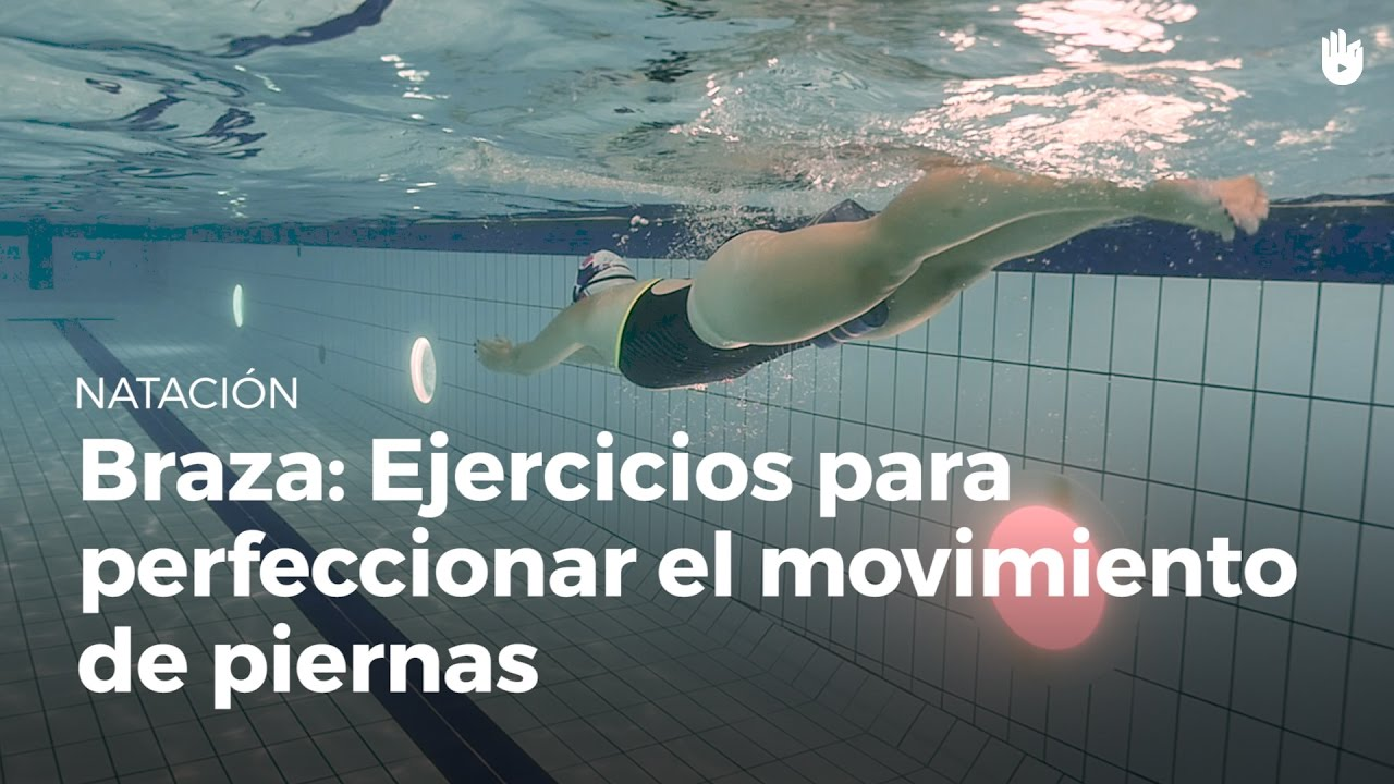 Ejercicios para perfeccionar el movimiento de piernas for Ejercicios espalda piscina