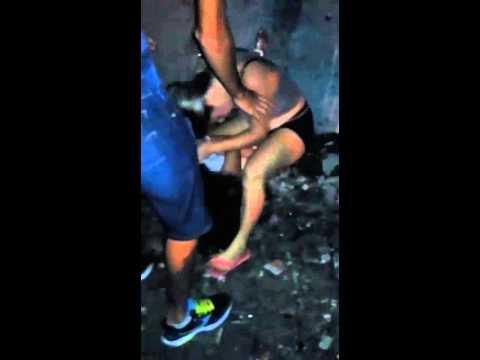 Mulheres brigam em baile funk