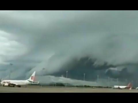 Fenomena Awan Colomus di Makassar Sempat Ganggu Penerbangan